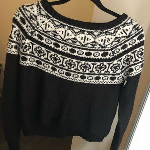 Cropped Black Sweater with Nordic Winter Print